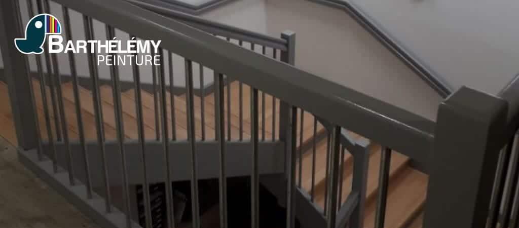 Peinture escalier bois caisse d'épargne bayonne gourverneur - barthélémy peinture