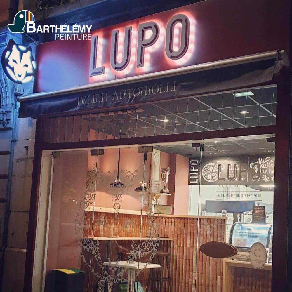 Création des plafonds et murs de la Pizzeria LUPO par les plaquistes de l'entreprise Barthélémy.